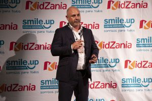 smile-up-kidzania