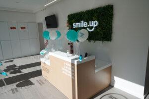 Receção da clínica dentária de Queluz
